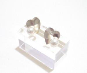 pearl earcuff