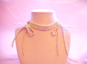 garter ribbon chocker